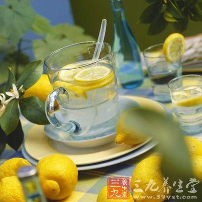 泡柠檬的水太凉,香味不容易泡出来