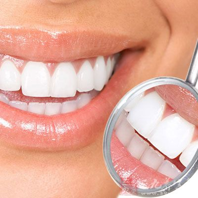 牙周病所引起的牙齿松动