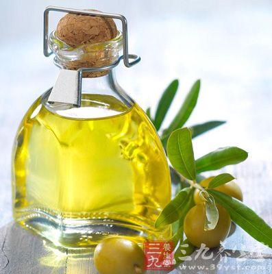 橄榄油具有收缩毛孔的作用