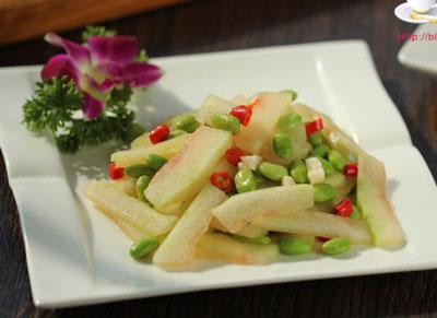 西瓜皮炒毛豆仁,5分钟上桌的清热解暑菜