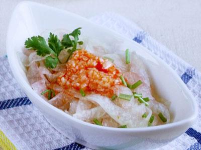 红油西瓜皮的做法,夏季里的解暑凉菜