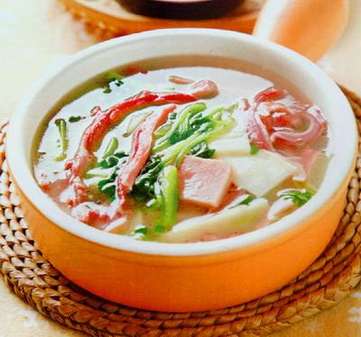 豆苗火腿猪肚汤的做法
