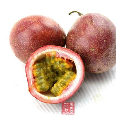 种在山上的百香果一般比种在平地的果颜色要深