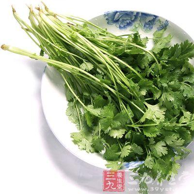 香菜利尿,可健肾,有利于维持血糖含量,减轻膀胱炎症状
