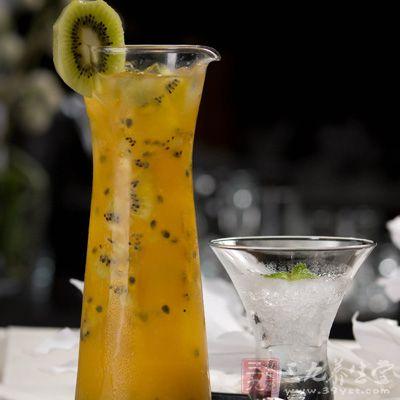 黄色百香果最佳食用方法是百香果果汁