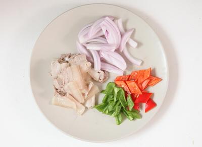 经典下饭菜川味家常回锅肉步骤3