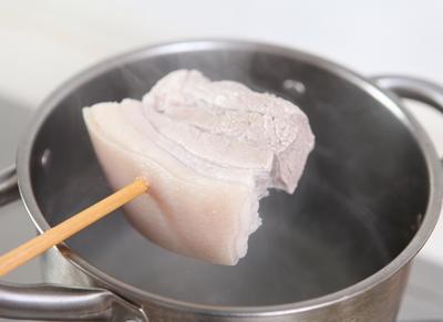 经典下饭菜川味家常回锅肉步骤2