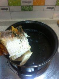 百合木耳鲫鱼汤的做法步骤6