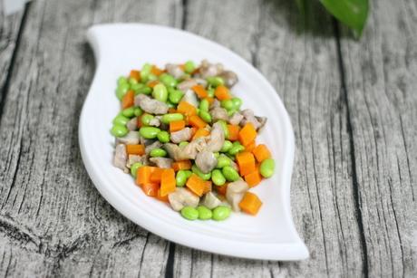 红萝卜炒青豆