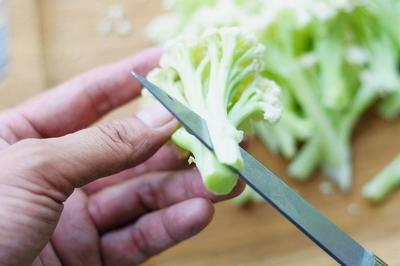 干煸菜花的做法步骤2