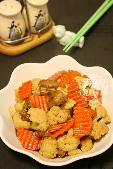 胡萝卜菜花炒排骨