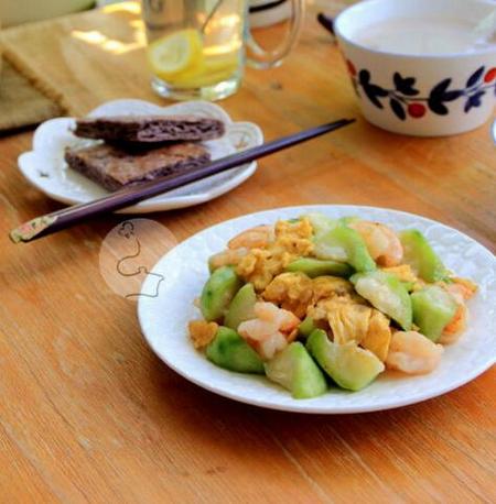 丝瓜虾仁炒蛋的做法
