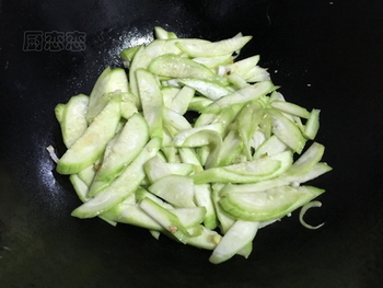 丝瓜炒鸡蛋的做法步骤6