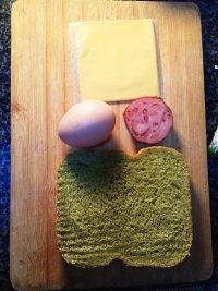 #儿童早餐#鸡蛋火腿吐司片的做法步骤1