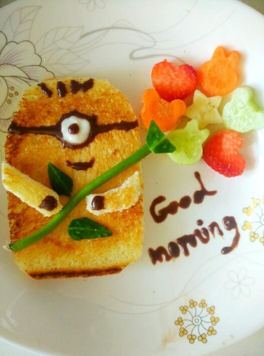 儿童早餐小黄人