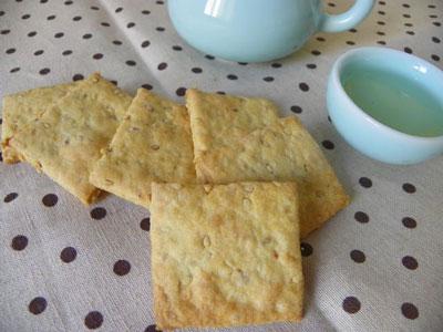 咸香芝麻饼干的做法,咸香味的芝麻饼干怎么做