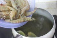 白灼虾的做法步骤8