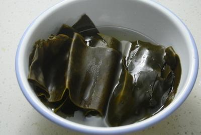 冬瓜海带汤的做法步骤2