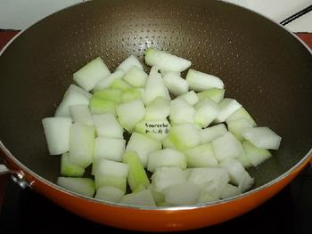 鸡胗滚冬瓜汤的做法步骤5