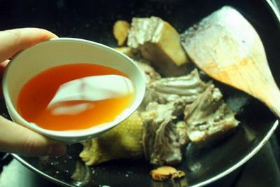 红菇老鸭汤做法步骤10