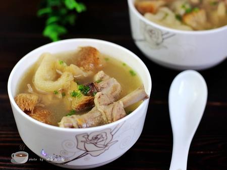 竹荪猴头菇老鸭汤的做法,夏季煲汤首选老鸭汤制作诀窍