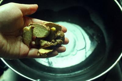 红菇老鸭汤做法步骤6
