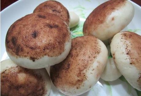 枣泥蘑菇包的做法