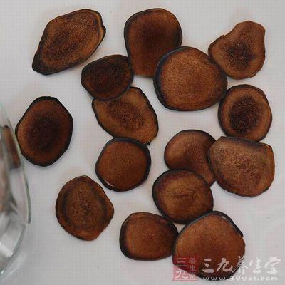 女性食用鹿茸片的常见做法是参茸鸡肉汤